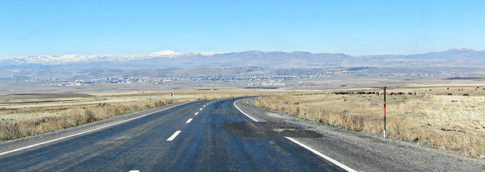 Approaching Kars from Dogubayazit
