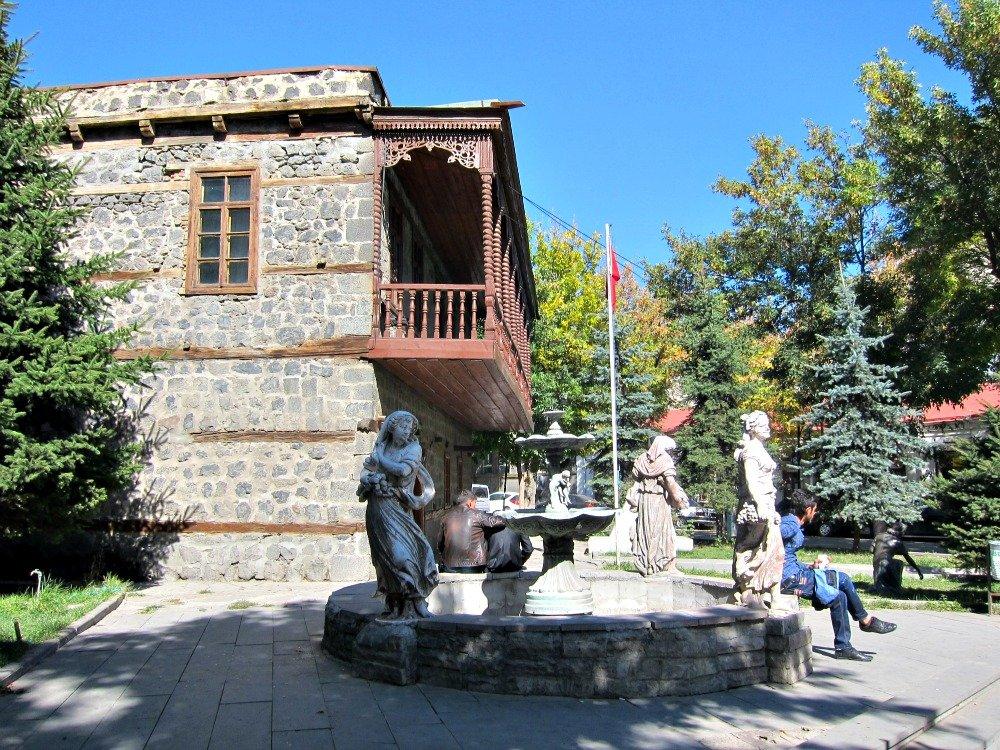 Kars Gazi Ahmet Muhtar Pasha Mansion