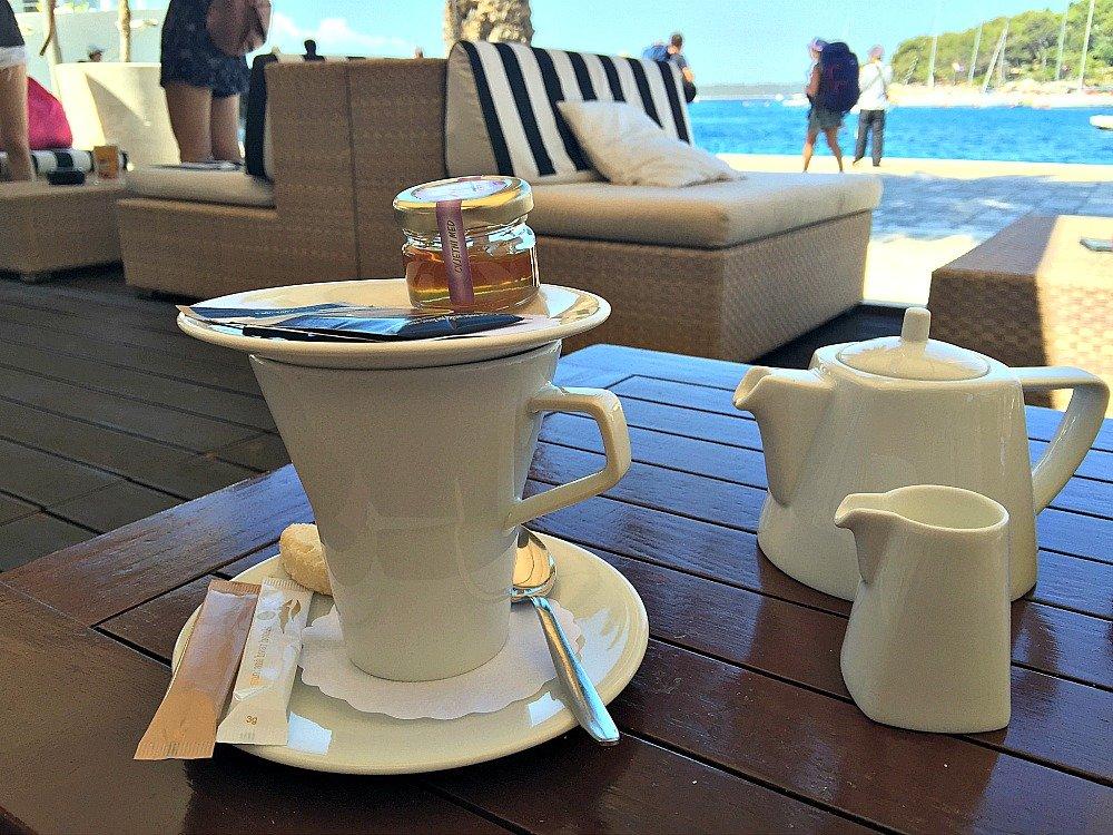 Hvar BB Club Tea