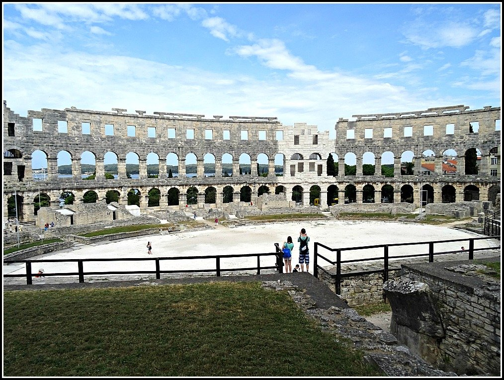 Pula Arena Few Visitors in Spring