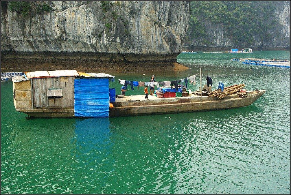 Lan Ha Boat Washing on the line