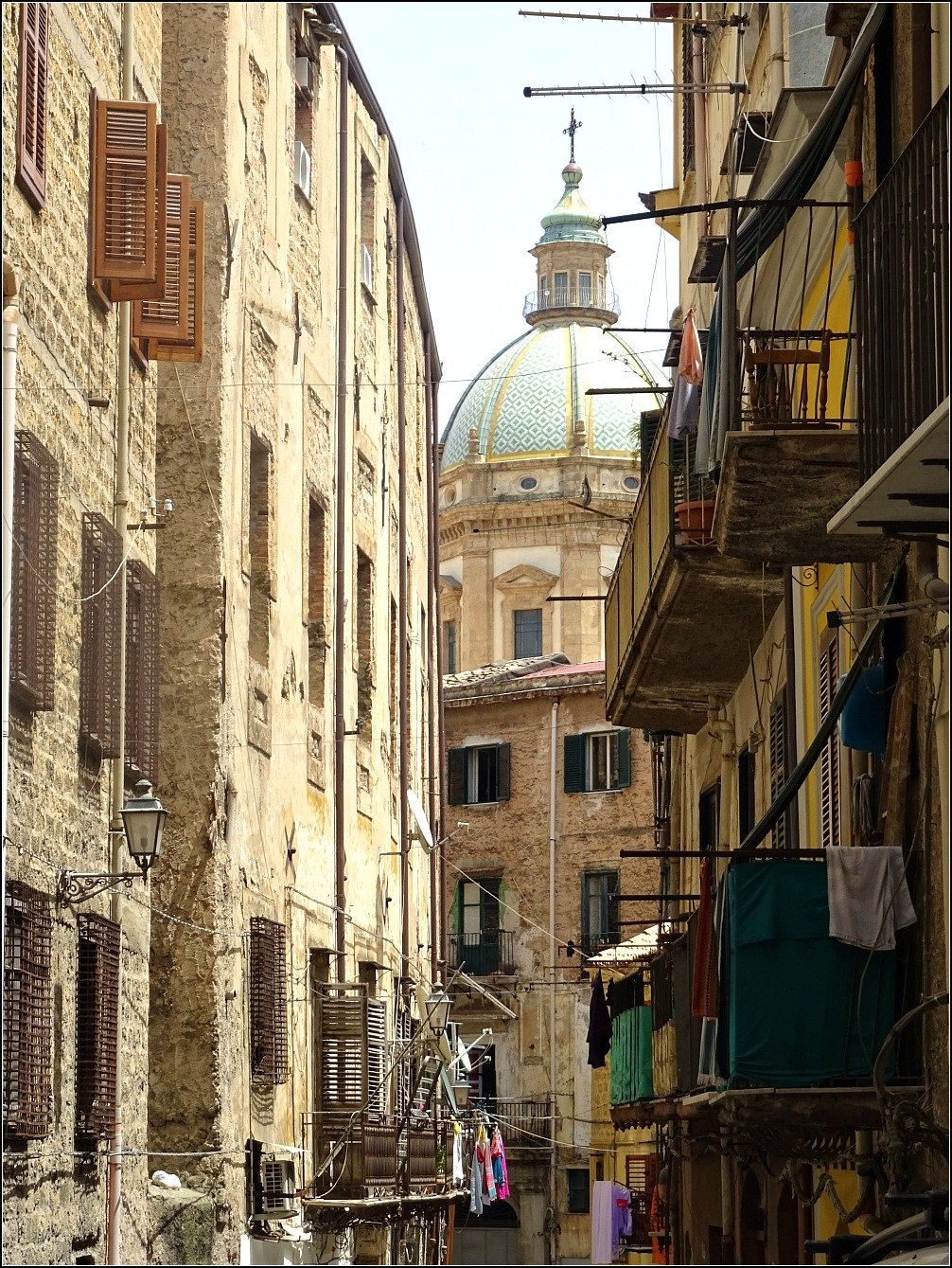 Palermo Streets and Dome