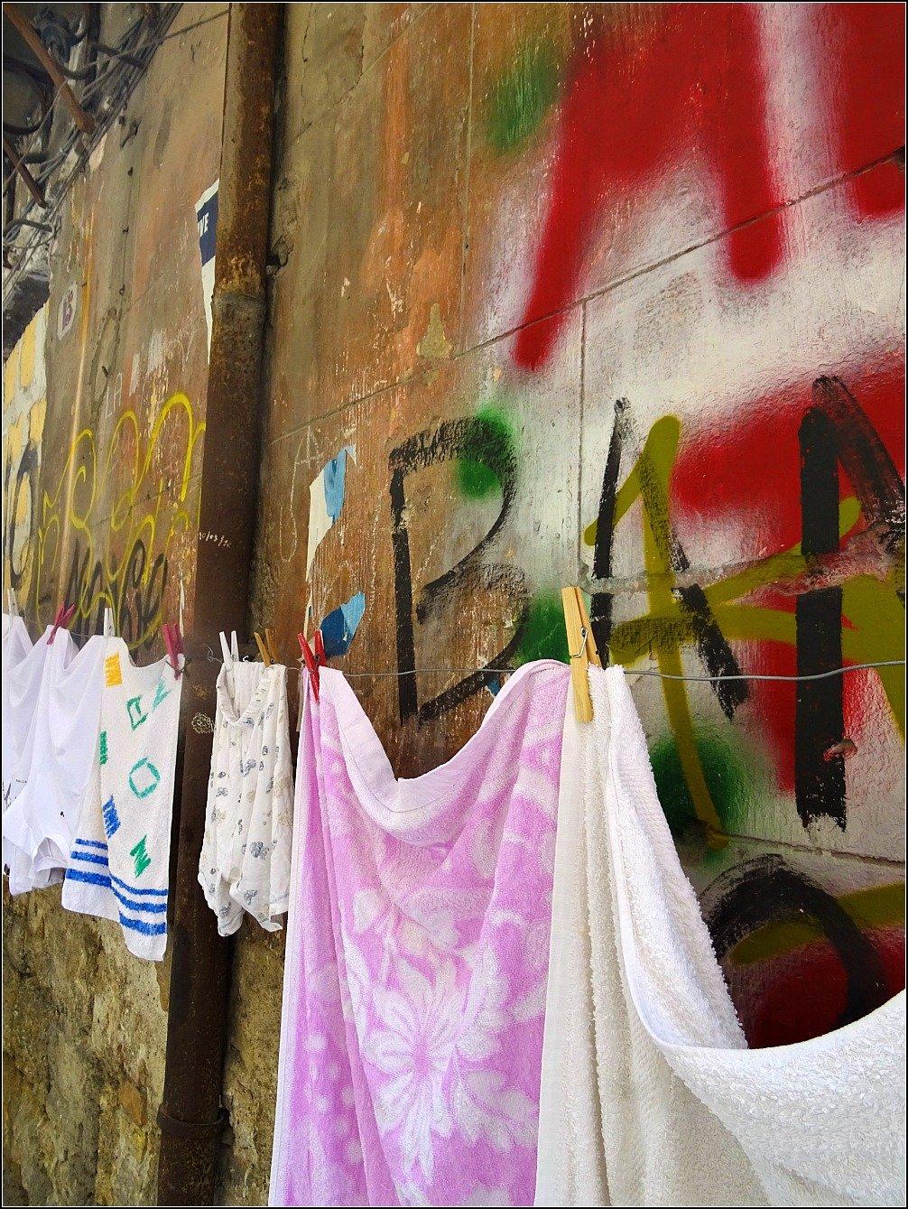 Palermo Walls and Washing