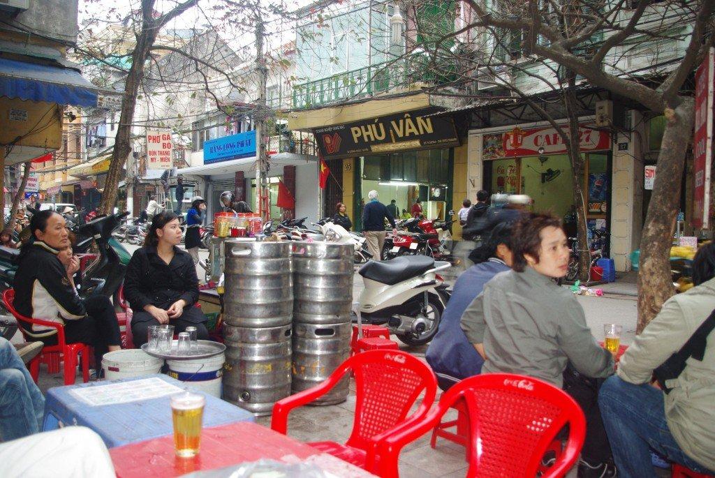 Bia Hoi, on Footpath P Luong Ngoc Quyen