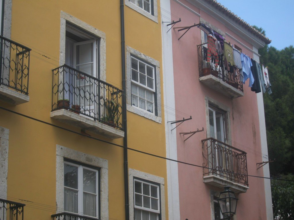 Images of Laundry Day in Lisbon
