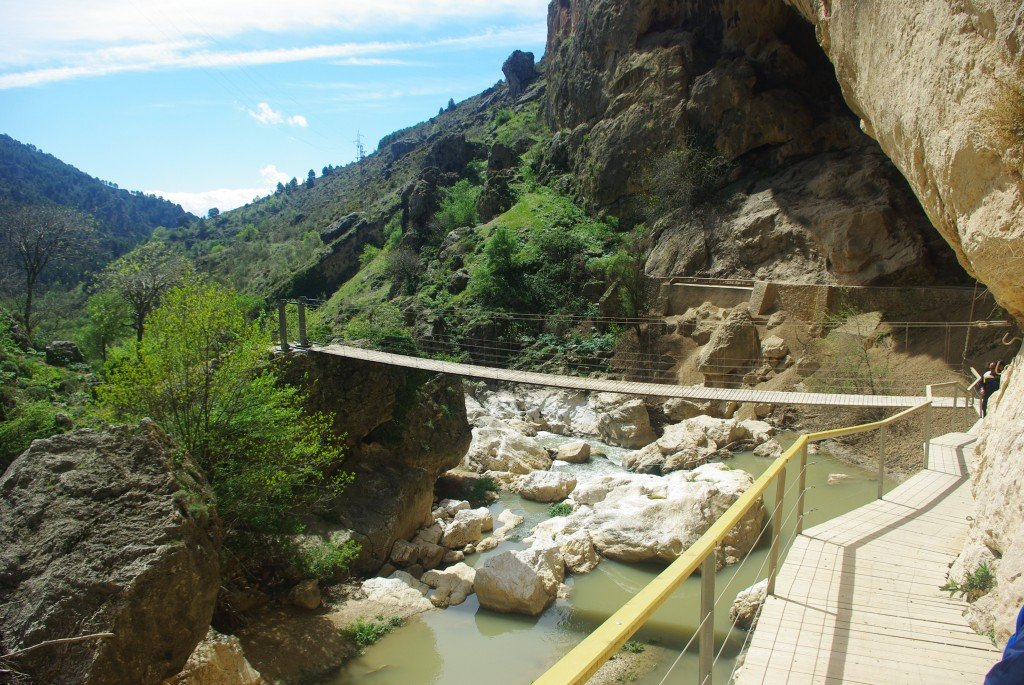 The rope bridge and walkway at the bottom of the gorge.