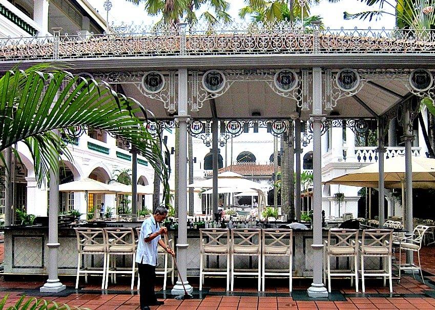 Singapore Raffles Courtyard Bar