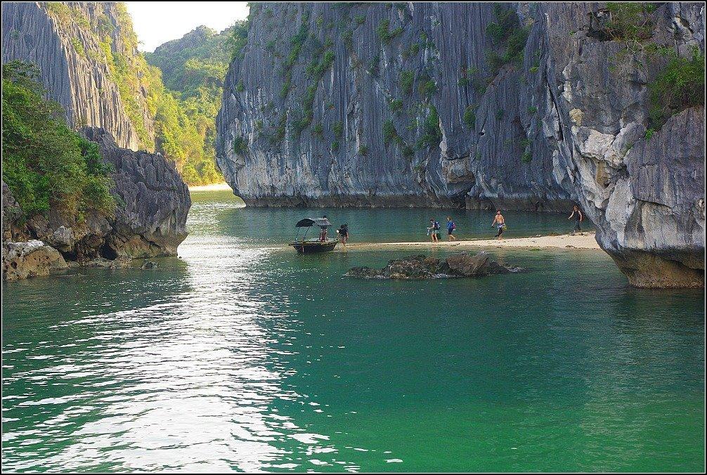 Lan Ha Bay Rock Climbing Vietnam