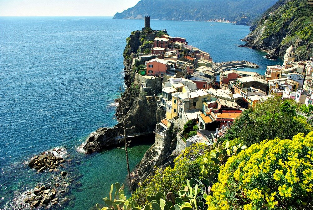 Looking back on Vernazza as we left and headed toward the hill top village of Corniglia.