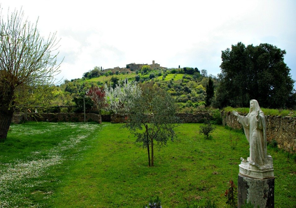 The Green Tuscan Countryside surrounding the abbey.