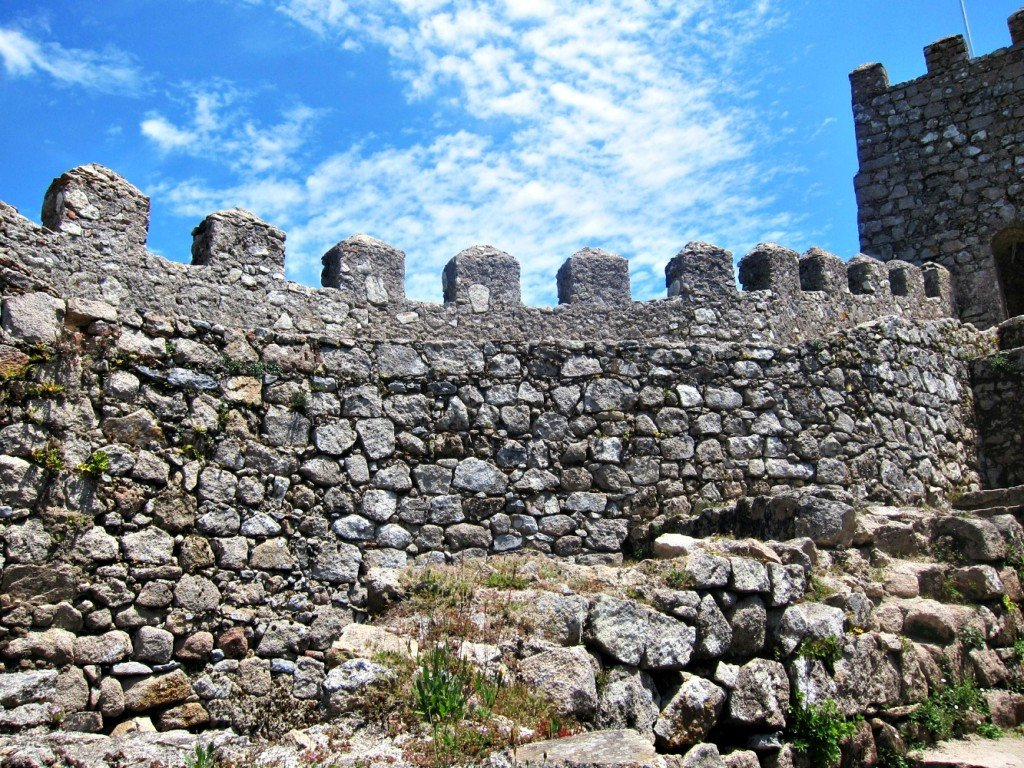 Walls and Sky - Castello Mouros