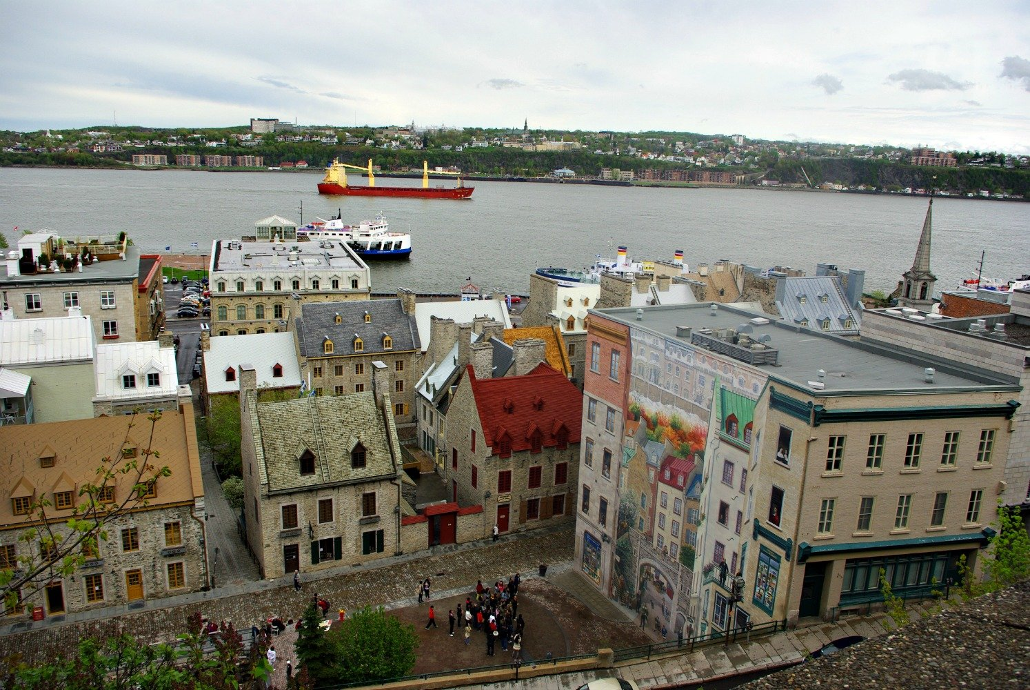 Quebec City historical murals