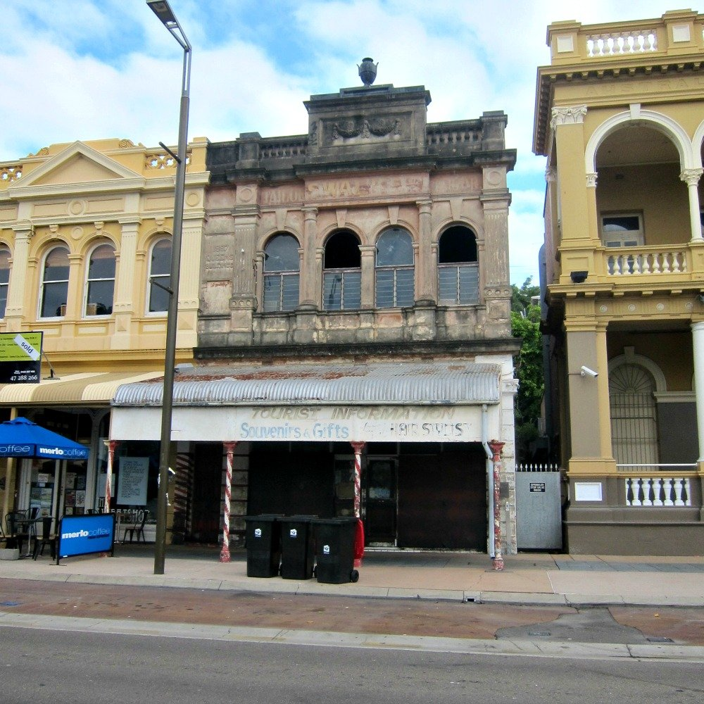 Townsville Flinders Street East - Why doesn't somebody love this building?