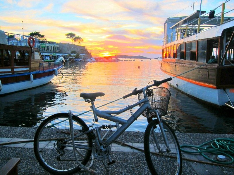 Foca Sunset with Bike