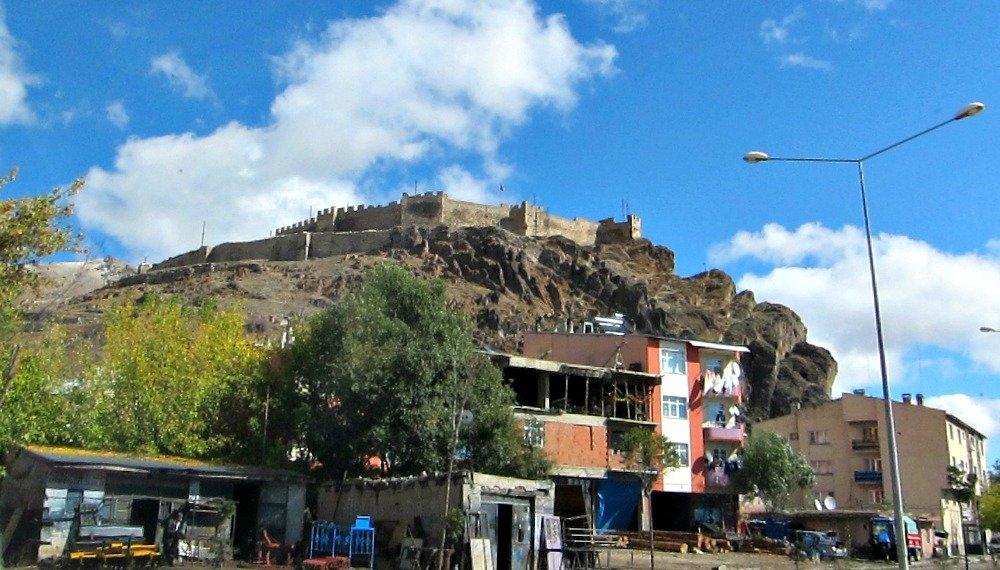 Hasankale Castle in Pasinler