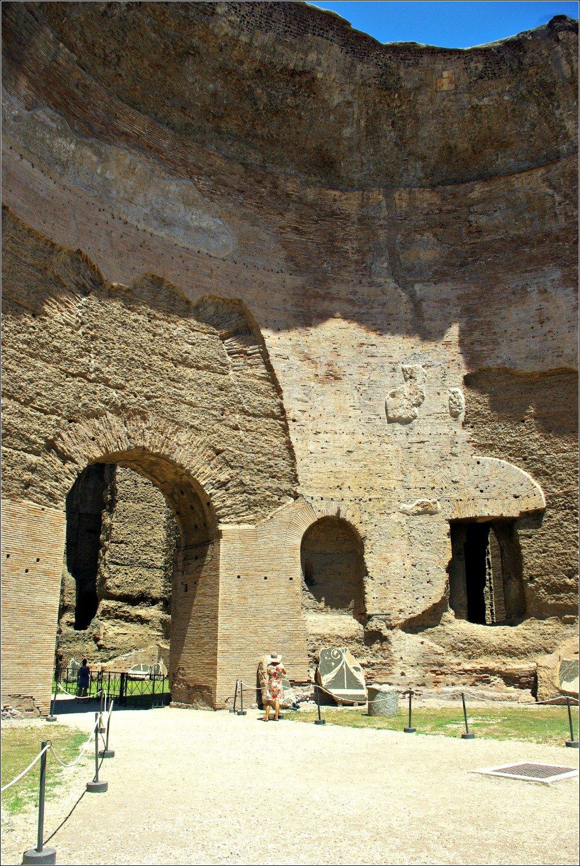 Terme de Caracalla Imposing walls