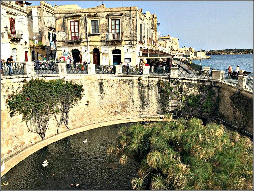 Fonte Aretusa Ortigia Siracusa Sicily