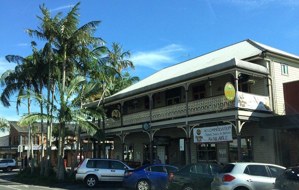 Mullum's Middle Pub