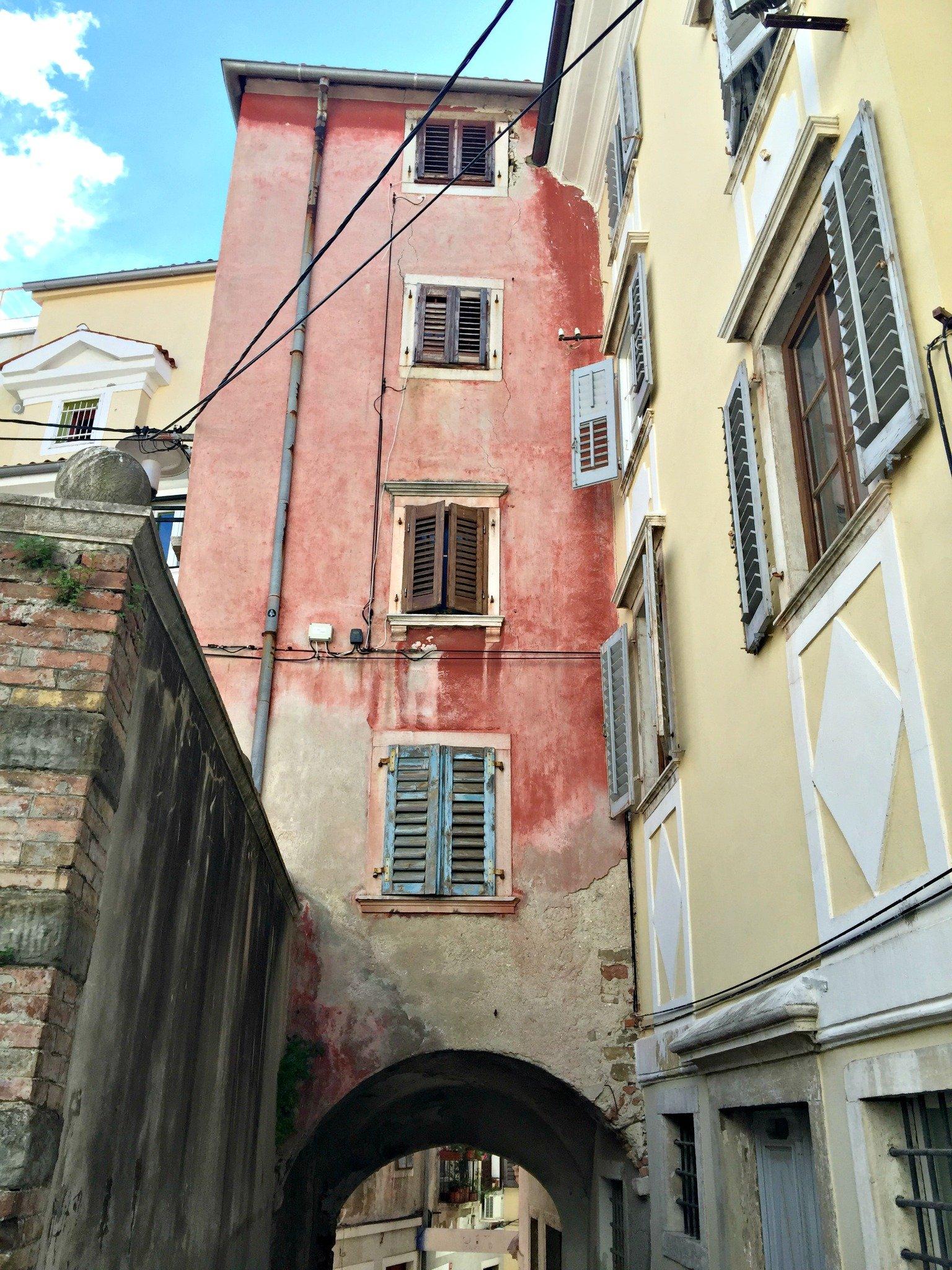 Exploring the winding backlanes of Piran
