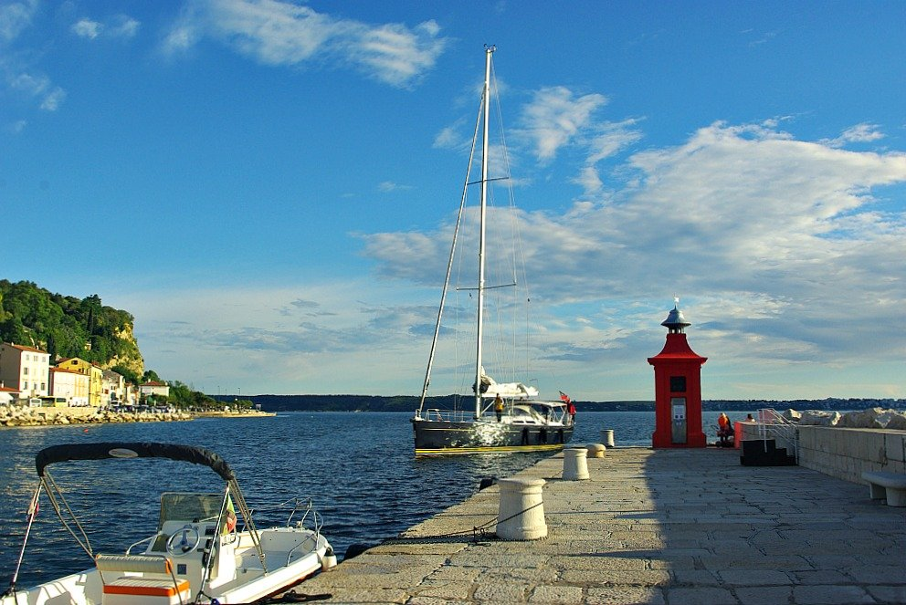Piran Port Marker Red