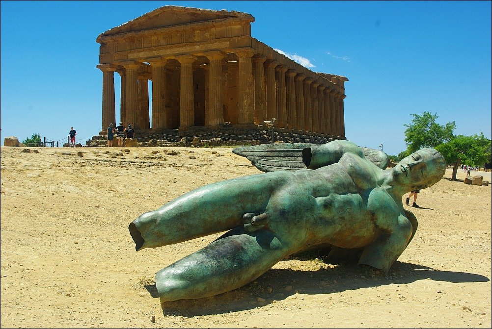 Temple of Concord Agrigento Sicily with statue of Icarus