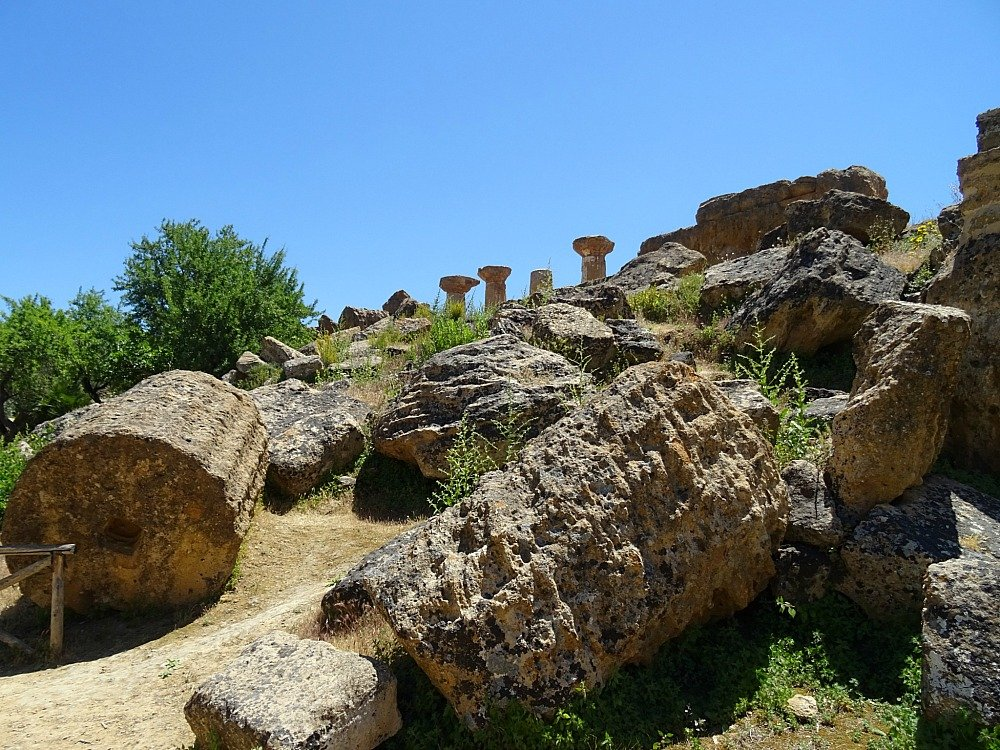 Valley of the Temples, Agrigento, Sicily, ruined columns