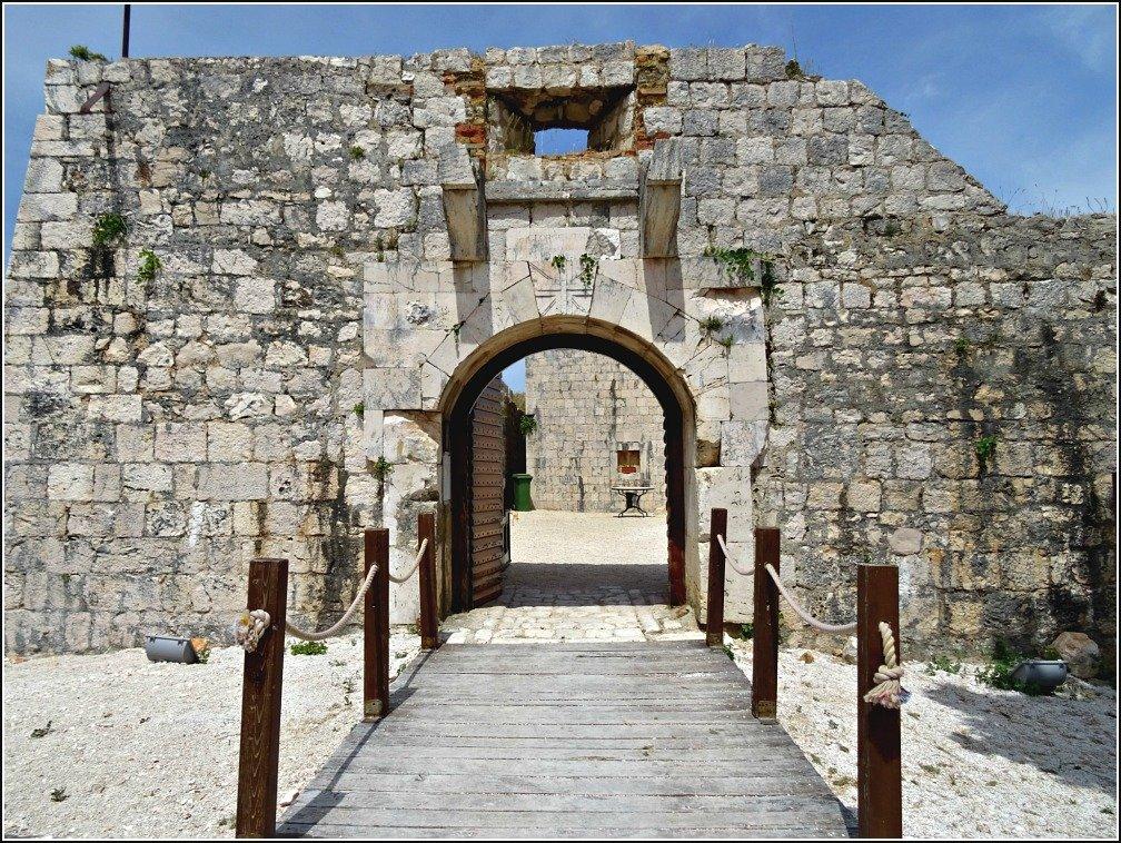 Vis Island Entrance to Fort George