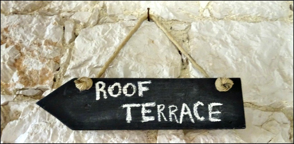Vis Island Rooftop Terrace sign at Fort George