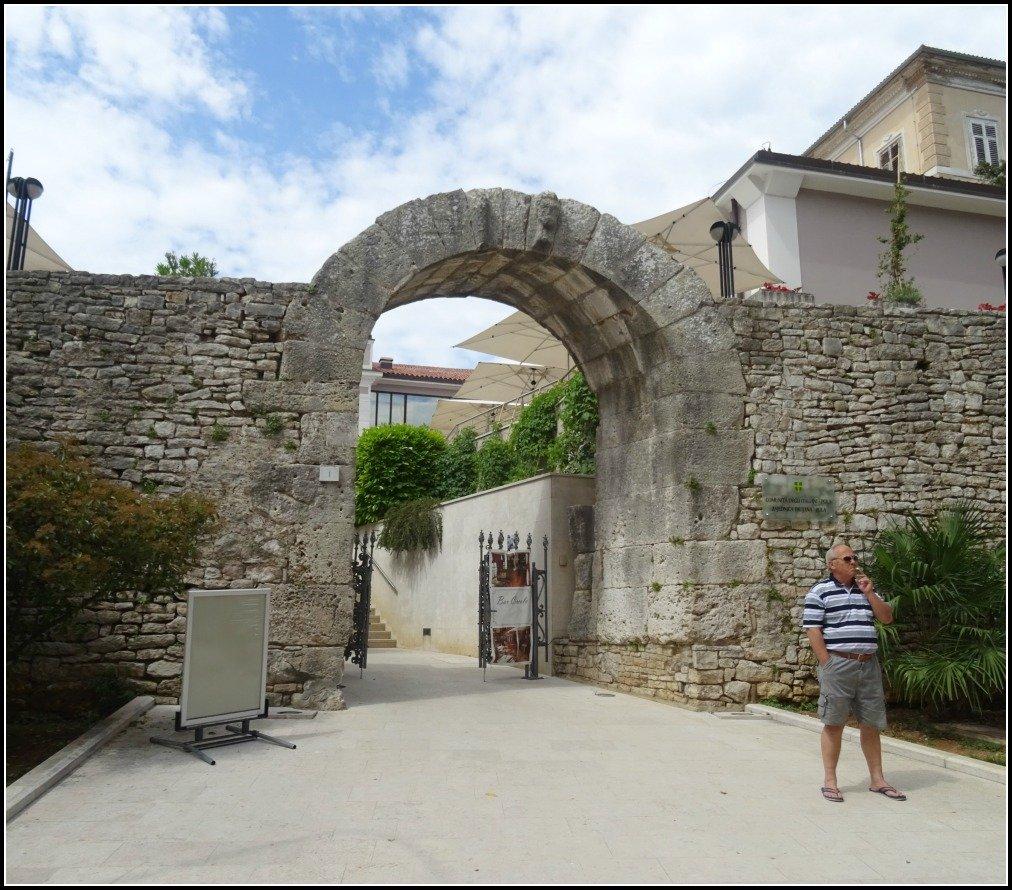 Gate of Hercules Pula