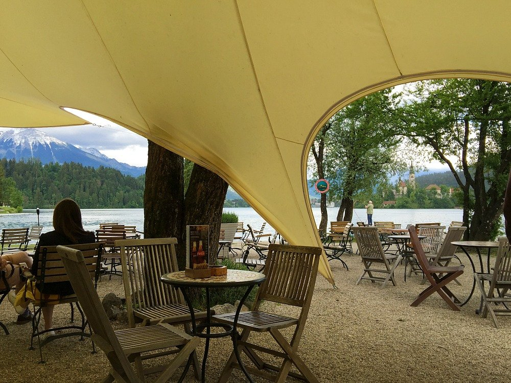 Plaza Bar on the shores of Lake Bled is a great spot to break your around the lake walk and indulge in Kresmita.