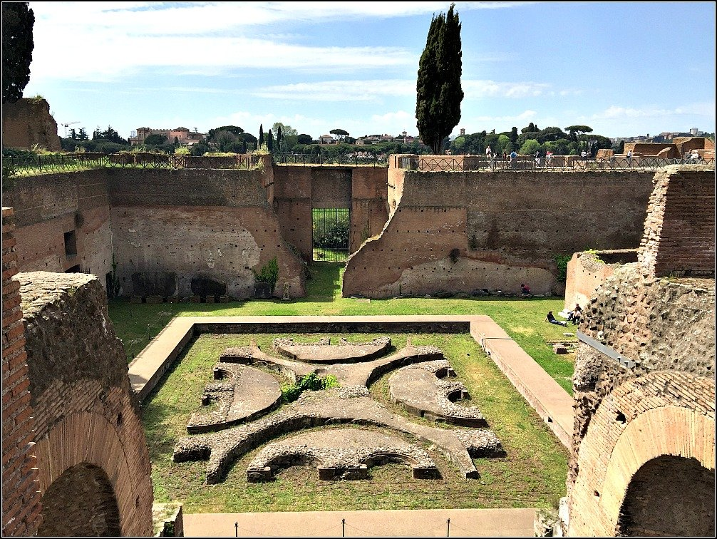 Palatine Courtyard garden of the Domus Augustana