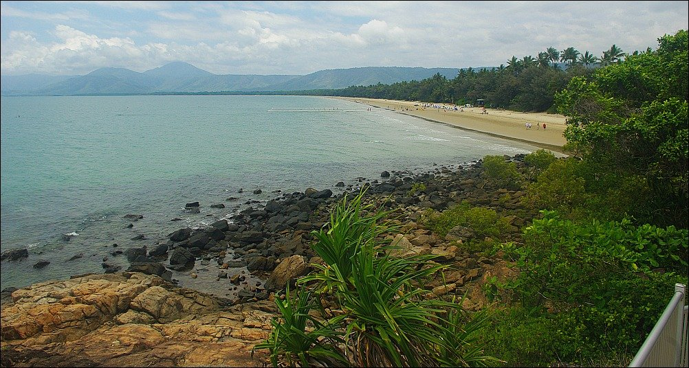 Port Douglas Walkway from Four Mile to Flagstaff Hill