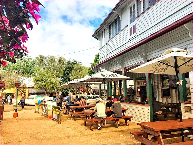 Yungaburra Hotel with Umbrella Shaded Outdoor Tables