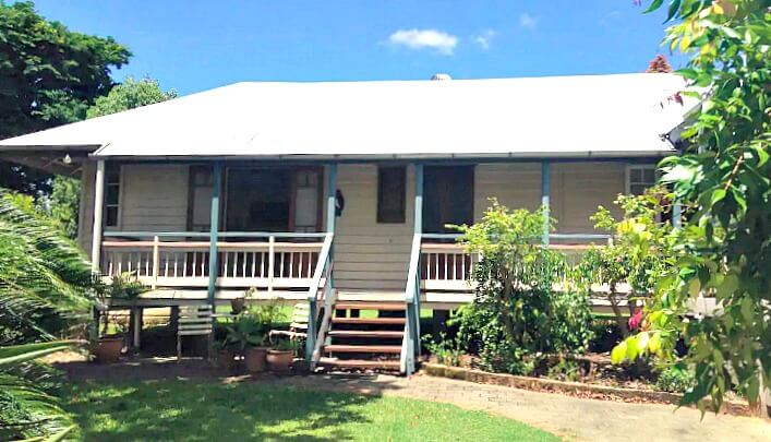 Front View of Bungalow with verandah in Pomona in the Noosa Hinterland